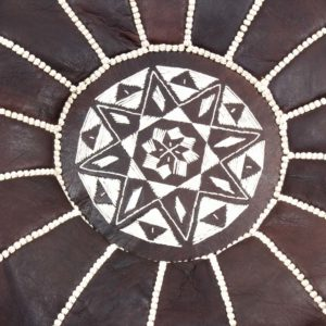 Handgefertigter dunkelbrauner Leder-Pouf