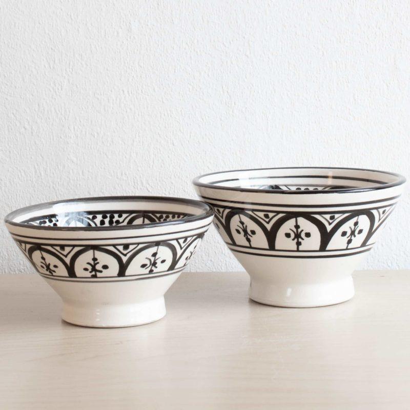 Marokkanische Schalen in schwarz weiß