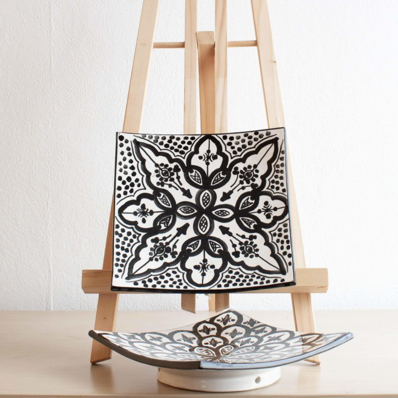 Marokkanischer Teller Quadrat in schwarz weiß