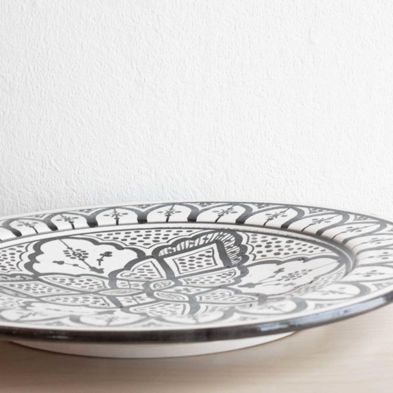 Marokkanische Platte ORIENT in schwarz weiß