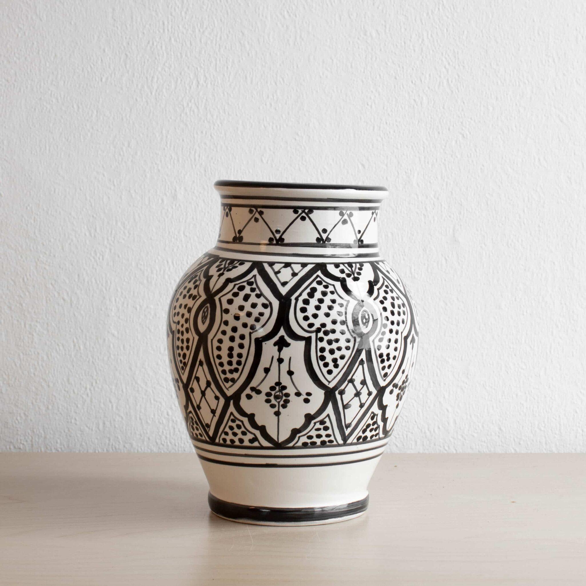 marokkanische vase warda in schwarz wei marokkanische keramik