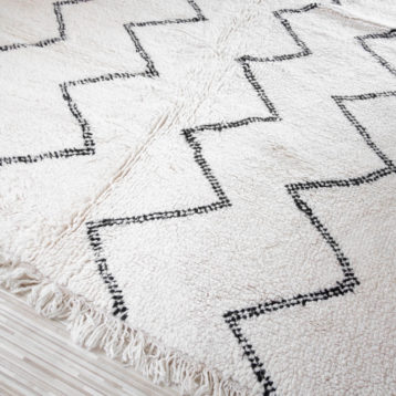 Beni Ourain rug 205cm x 295cm with zigzag pattern