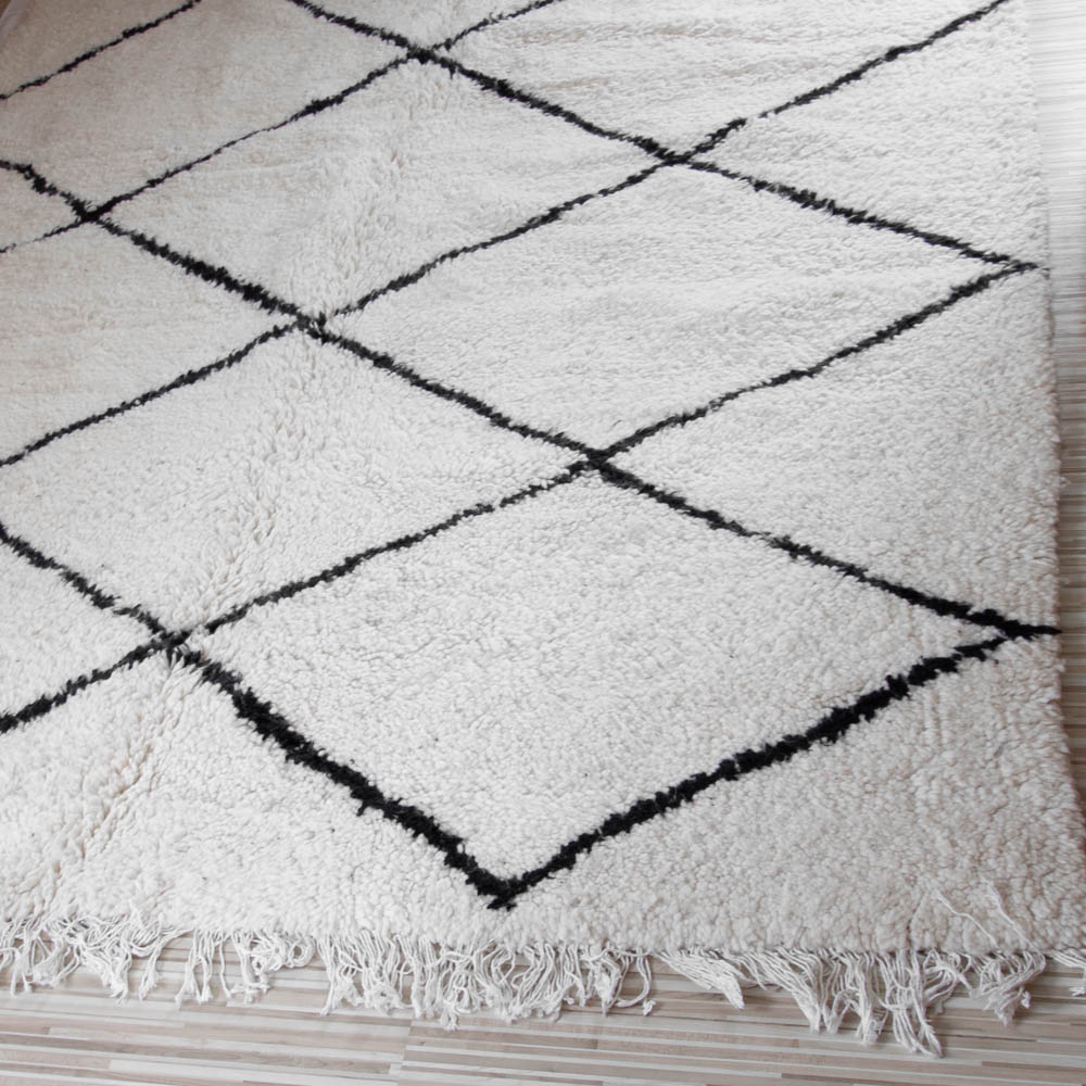 marokkanischer beni ourain teppich 1 70m x 2 50m dari design. Black Bedroom Furniture Sets. Home Design Ideas