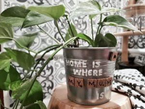 DIY Muttertagsgeschenk Scrabble-Blumentopf