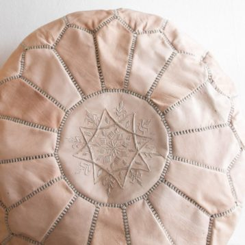Moroccan leather pouf NUDE