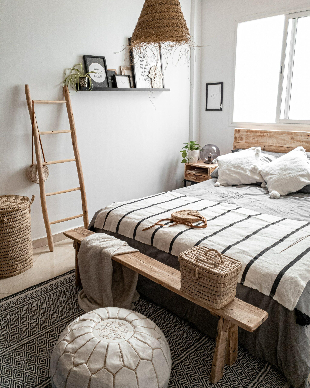 Schlafzimmerinspo mit marokkanischen Textilien