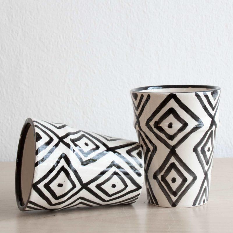 Marokkanische Tassen TARGET mit geometrischem Muster in schwarz weiß