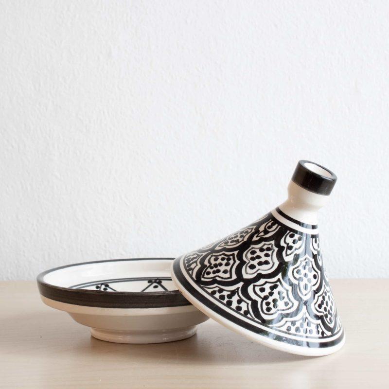 Marokkanischer Tajine SAFI in schwarz weiß