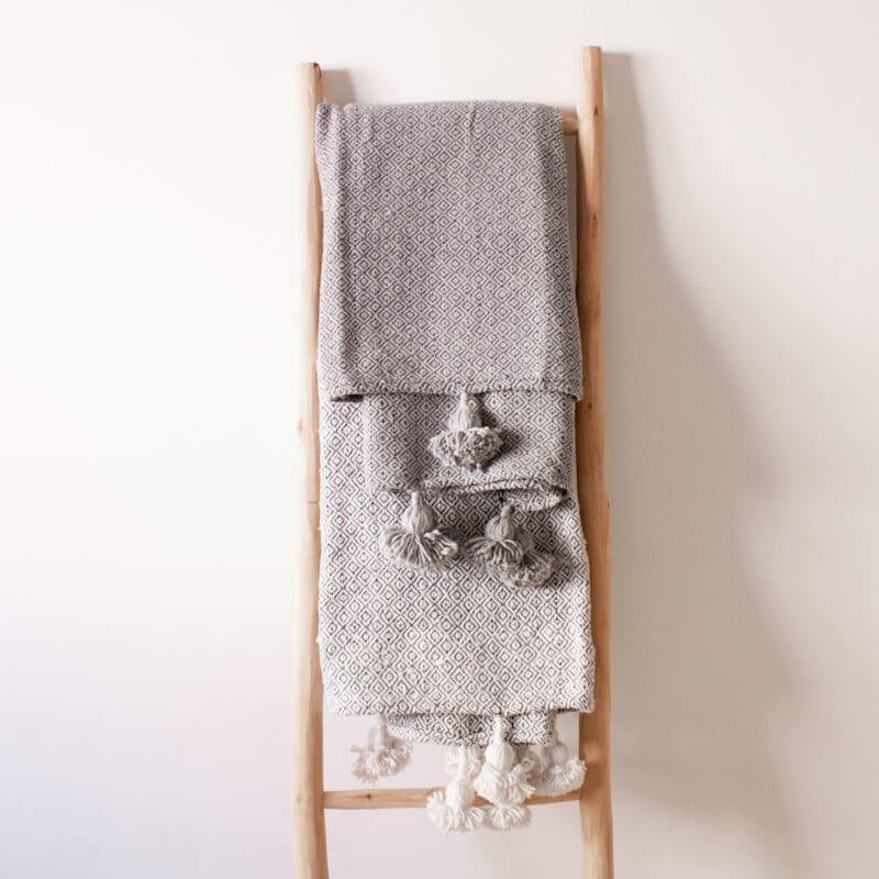 Pompom Decke 100 cm x 200 cm