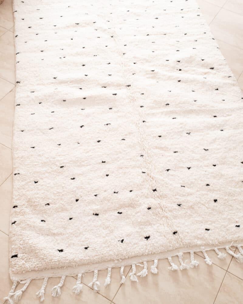 Beni Ourain Teppich 1,50m x 2,40m mit schwarzen Punkten (3)