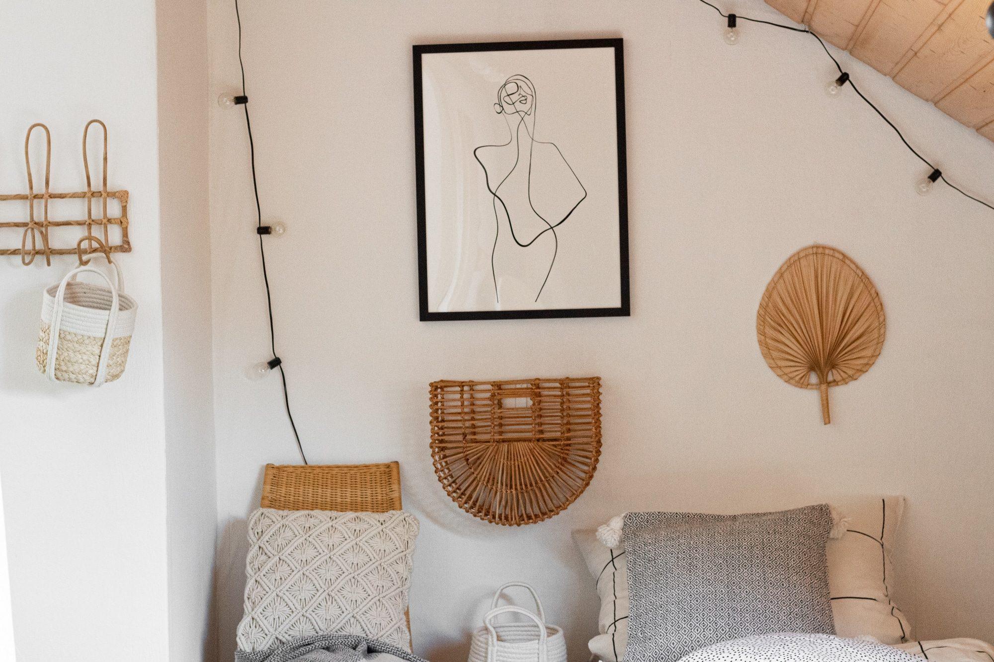 Wandkörbe und Palmblätter als Wanddeko-1